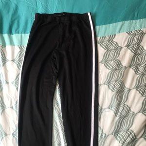 Black and white stripe leggings